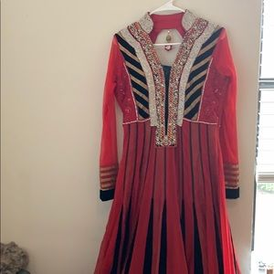 Dresses & Skirts - Beautiful red & gold Indian gown stunning crystals